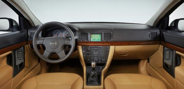 Großbild: Interieur des neuen Opel Vectra [Autokiste]