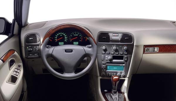 Großbild: Interieur Volvo S40/V40 [Autokiste]