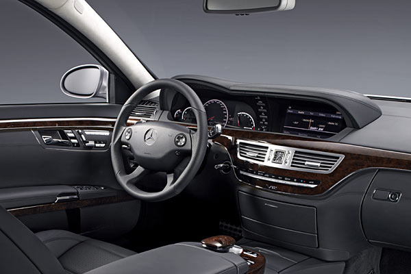 Fotostrecke mercedes s 65 amg bild 4 von 4 autokiste for Mercedes a klasse amg interieur